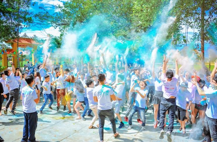 celebration-crowd-daylight-1157557